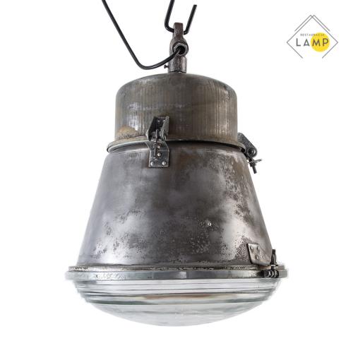 lampa fabryczna, lampy stojące, wiszące, biurkowe, kinkiety, tripody, szafki, stoły, taborety, krzesła, fotele