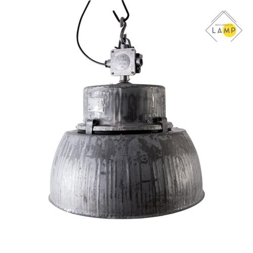 wisząca lampa przemysłowa